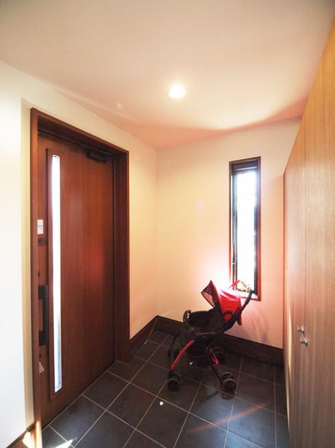 ベビーカーもゆとりで置ける広い玄関