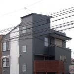 内装には高級木をふんだんに使用した大和市M邸